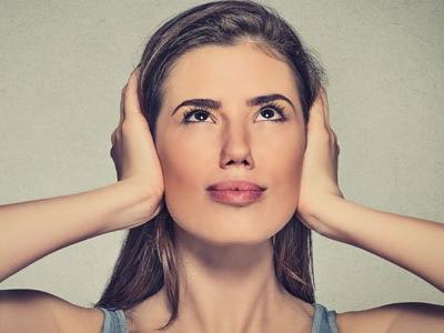 шум в ушах во время приступа паники
