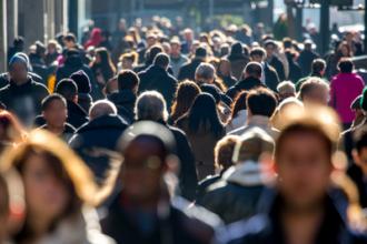 Как связаны страх большого скопления людей и панические атаки?